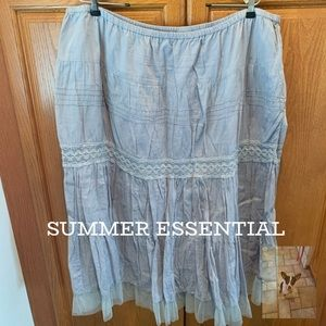5 for $20 Gray tiered elastic waist skirt size 1X